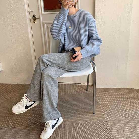 Minimal Korean Girl Outfits-12