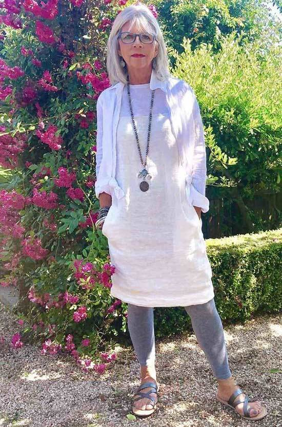 Casual Spring Looks for Women Over 50-13