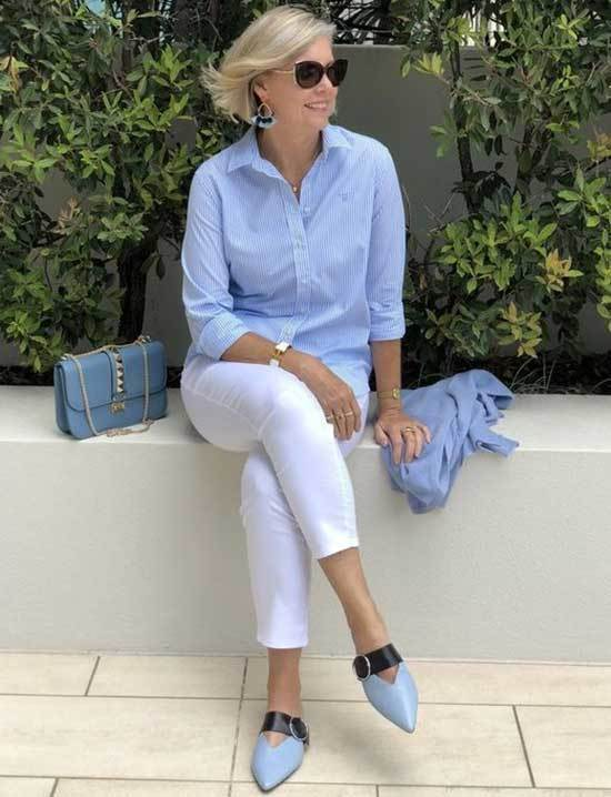 Casual Business Looks for Women Over 50-15