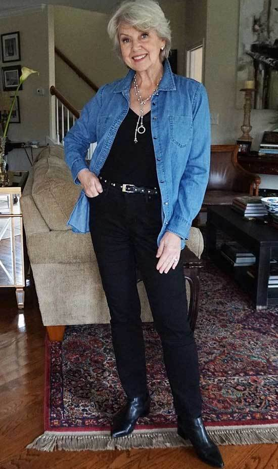 Casual Jean Shirt Looks for Women Over 50-17