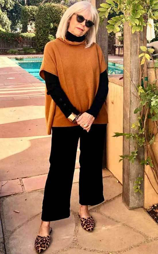 Casual Fall Looks for Women Over 50-21