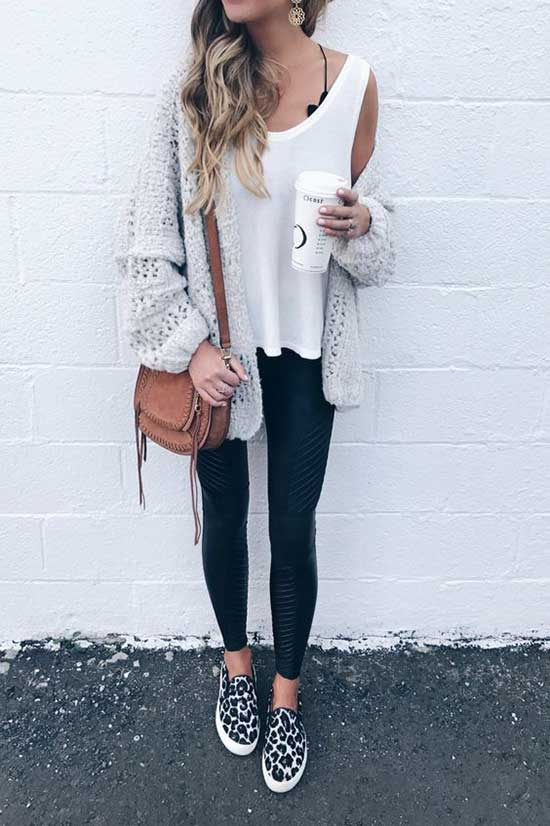 Black Leggings Outfit Ideas-21