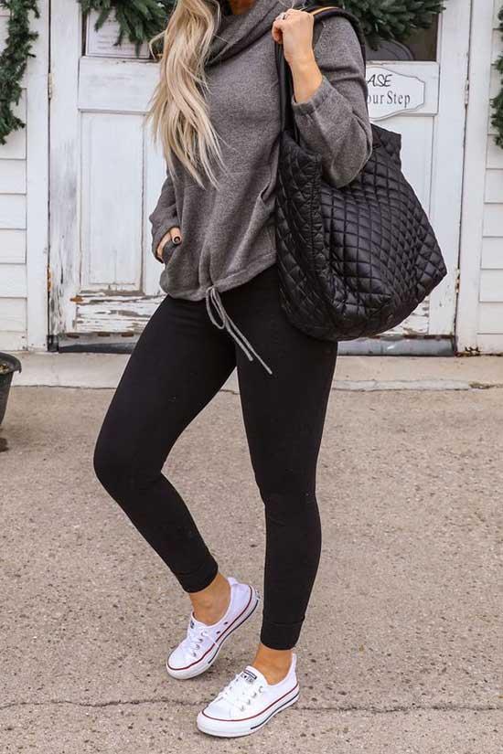 Black Leggings Outfit Ideas-26