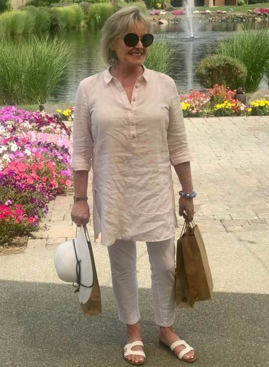 Casual Travel Looks for Women Over 506