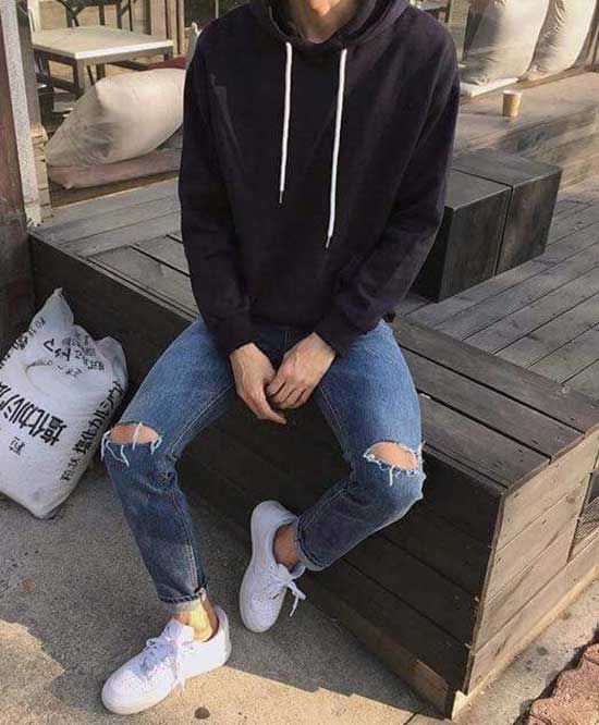White Sneakers Cool Casual Outfit for Guys-6