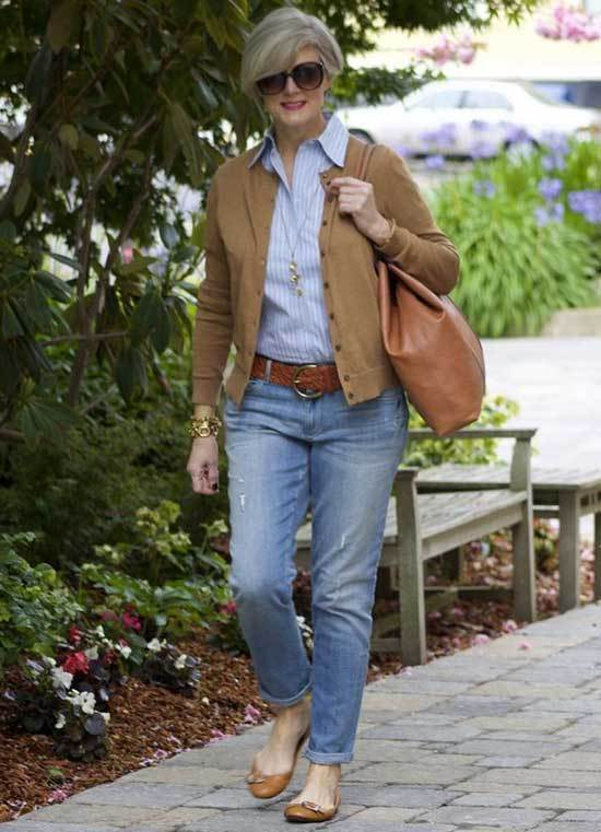 Casual Daily Looks for Women Over 50-9