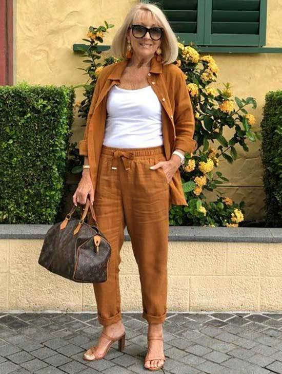 Casual Outfits for 50 Year Old Woman 2020