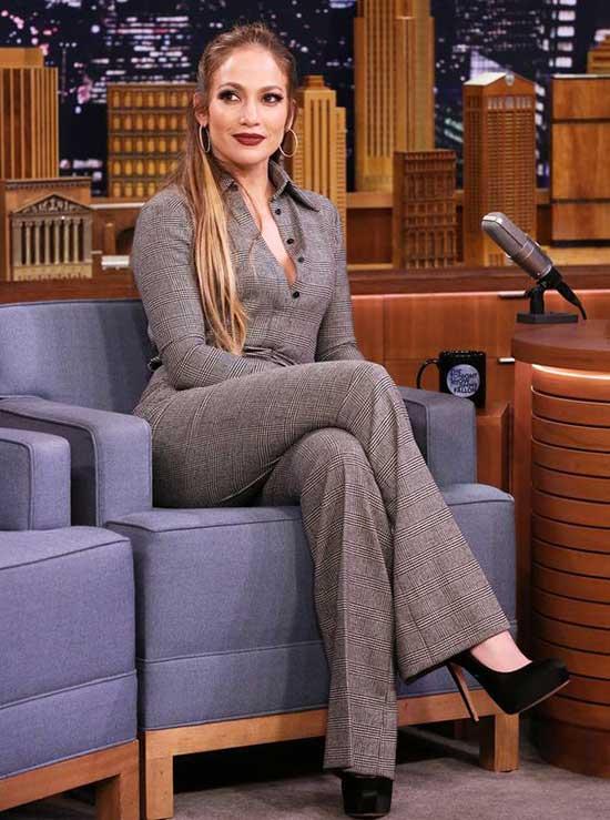 Jennifer Lopez Outfits