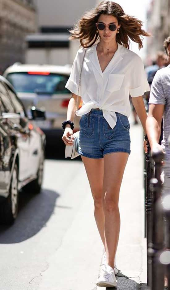 Cute White Sneakers Outfits with Jean Shorts-14