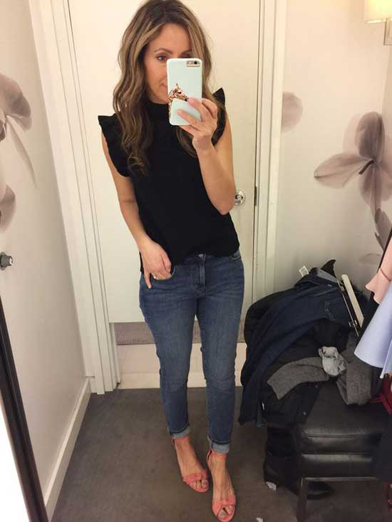 Cute and Casual Outfits with Blue Jeans-17