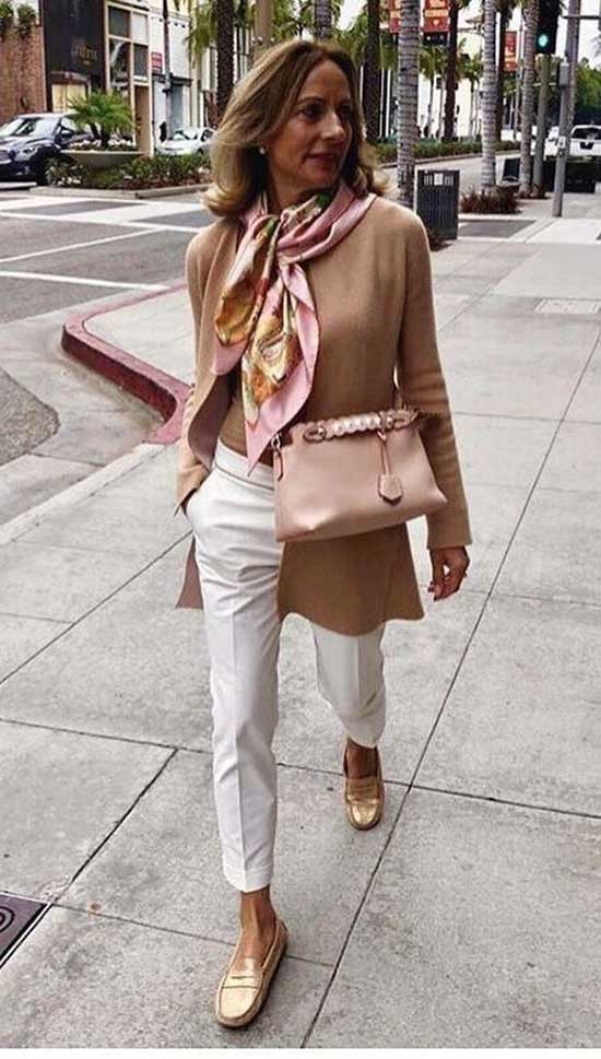 Outfit Ideas for Women Over 40-24