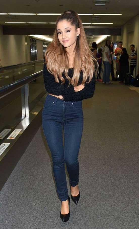 Ariana Grande Dark Blue Jean Outfits-17