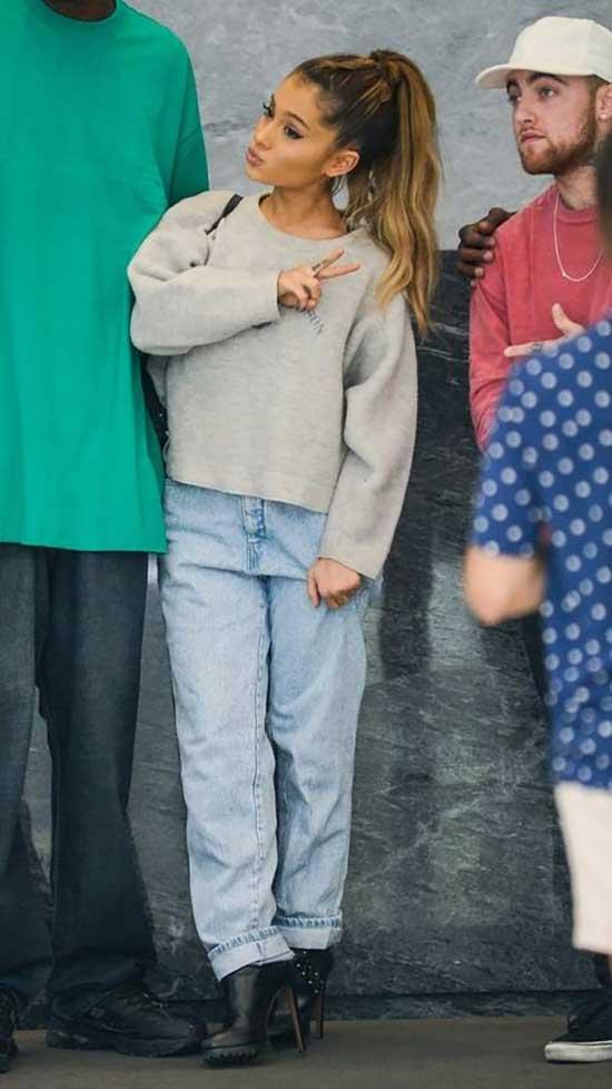 Ariana Grande Outfits-20