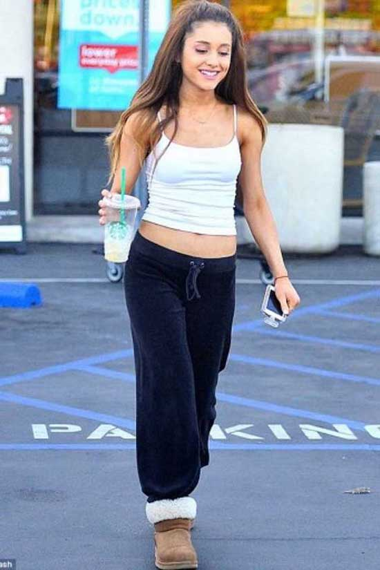Ariana Grande Sporty Outfits-9