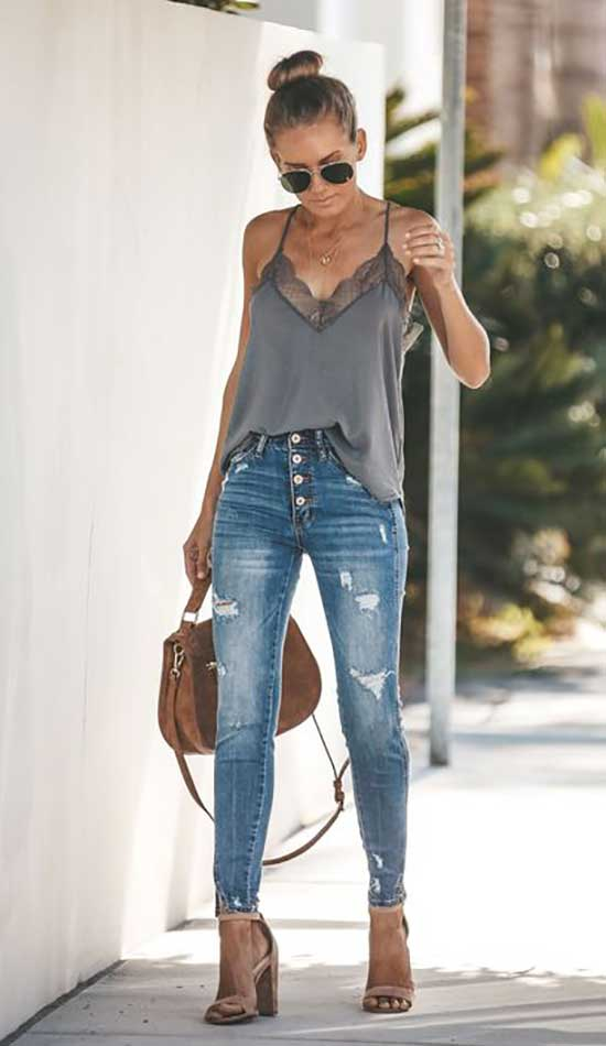 High Waist Distessed Jeans Outfit Ideas-14